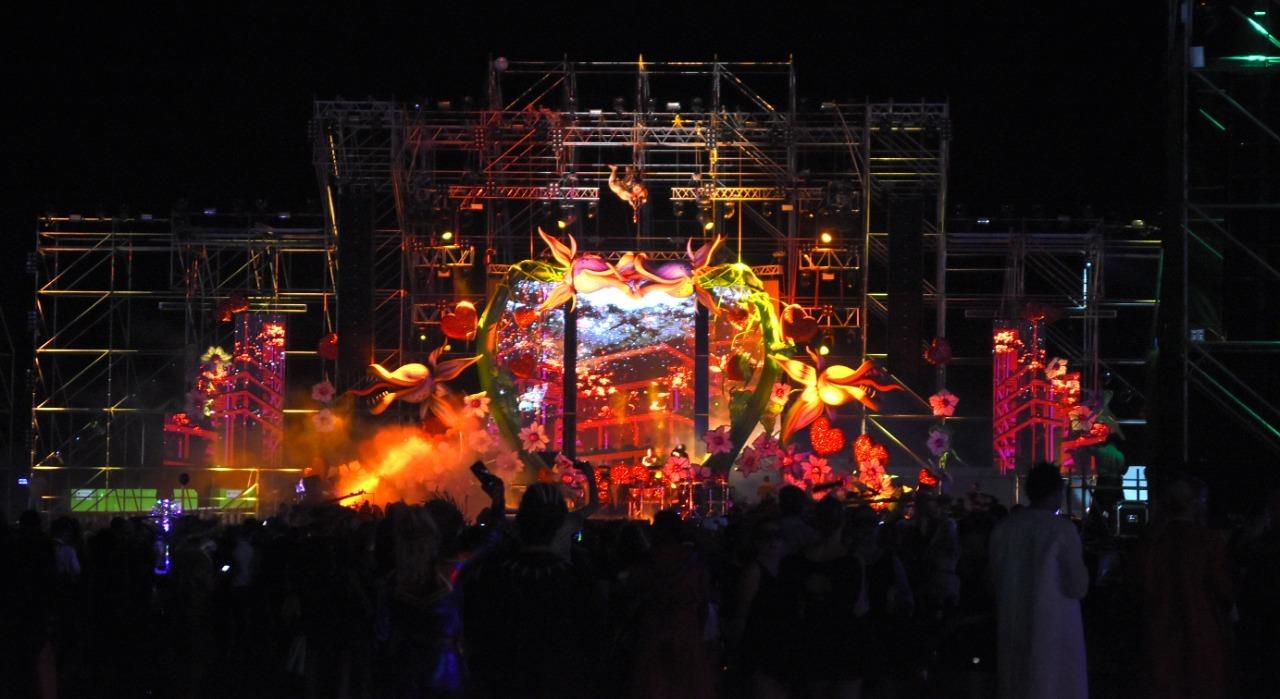 El escenario se llevó muchos elogios, por el diseño y el despliegue lumínico y de imágenes. Foto Ricardo Holle.